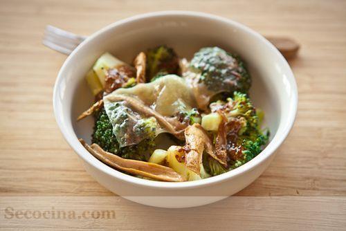 Brócoli al horno con setas y queso castellano