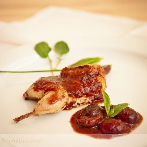 Codornices con salsa de cerezas del Jerte