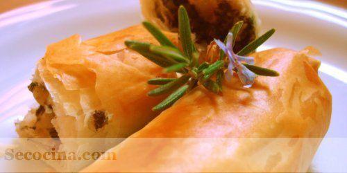 Rollitos de morcilla y manzana crujientes title=