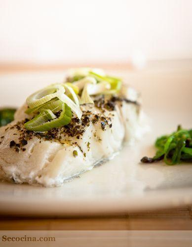 Bacalao fresco al horno con algas