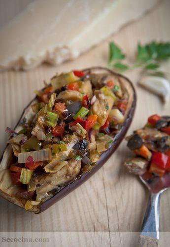 Berenjenas rellenas de verduras con jamón