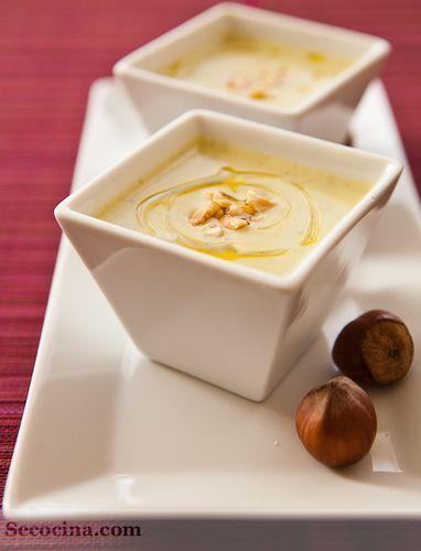 Crema de calabacín y espárragos blancos