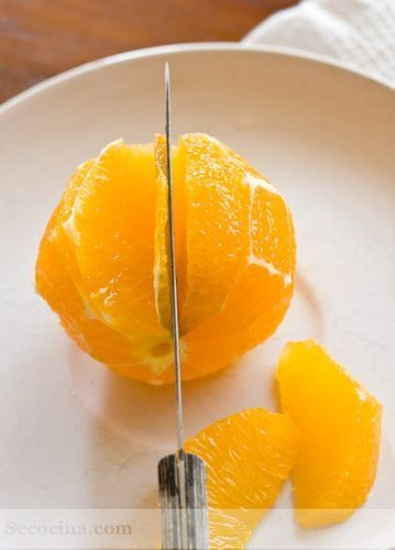 pelar naranja