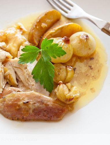 Pollo de corral asado con manzana y castañas